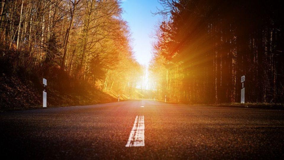 Ниското сонце на хоризонтот носи голема опасност при возење