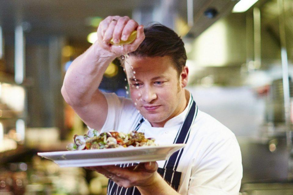 Џејми Оливер отвора ресторани на Бали и во Бангкок