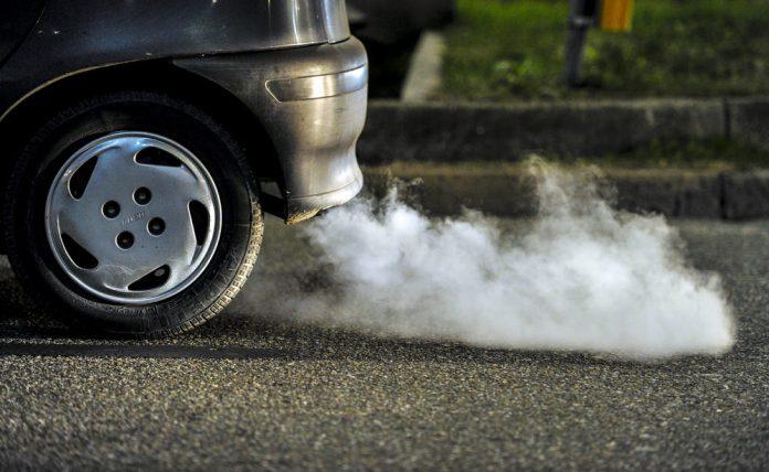 Протест на увозниците на коли пред Влада – алармираат дека им се заканува клуч на врата