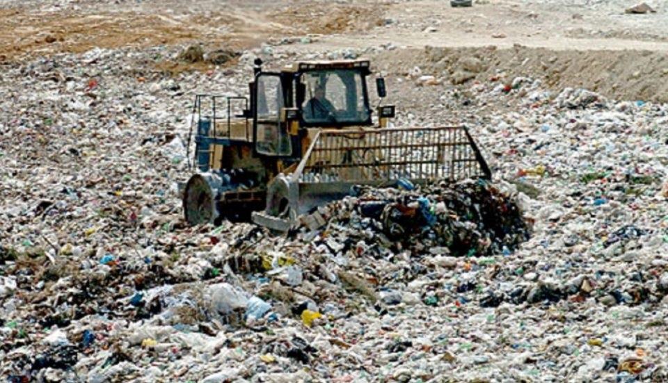 За две години Македонија увезла 10 пати повеќе отпад од сопствениот, најмногу од Бугарија