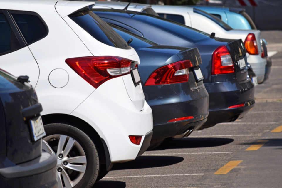Физичка пресметка за паркинг место во Велес