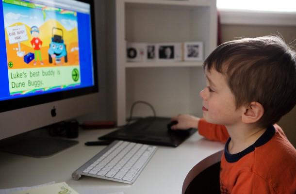 УНИЦЕФ: Третина од корисниците на Интернет се деца