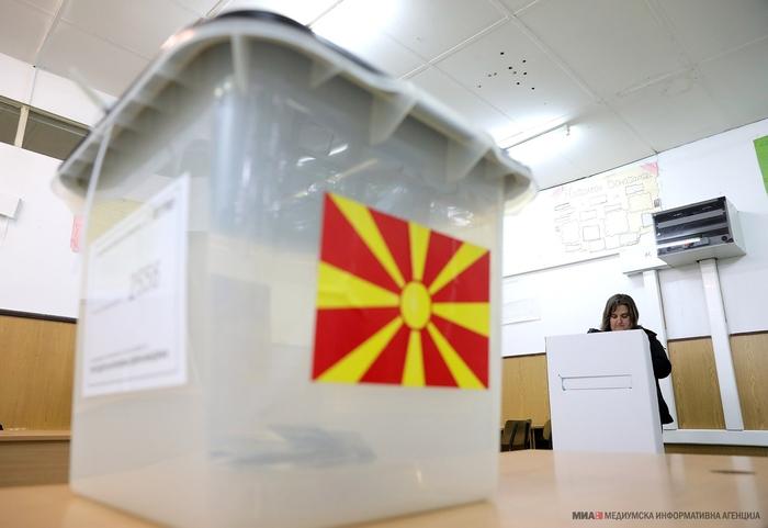 Власта и опозицијата со коалициски комбинаторики за 12 април