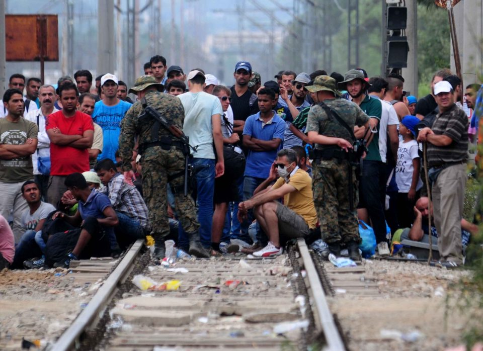 Тензии на турско-грчката граница, Орбан предупреди 130.000 мигранти влегоа на грчка територија