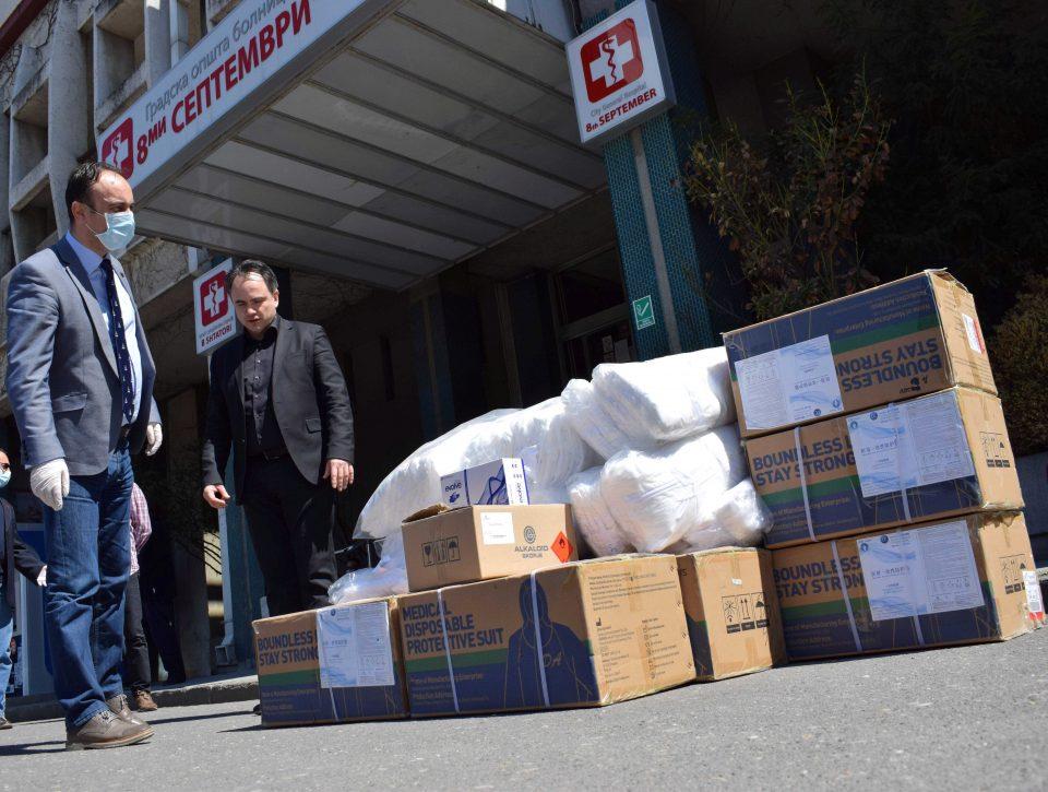 """Чулев предаде помош од МВР за """"8 Септември"""", Институт за јавно здравје и Ургентен центар"""