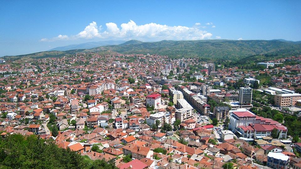 Oпштина Штип купува цвеќиња и благо во време на вонредна состојба и финансиска криза