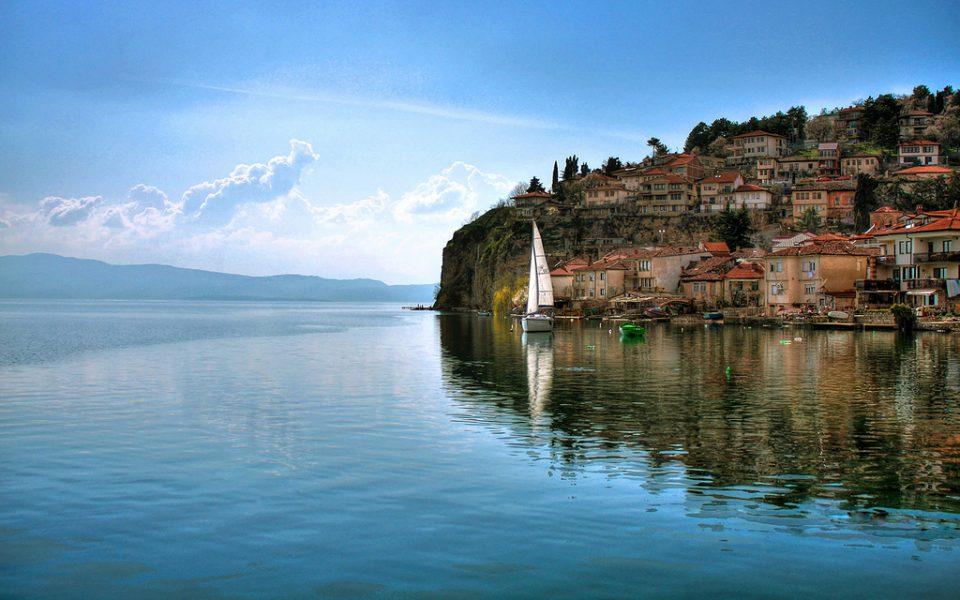 Игор Дурловски: Летувајте во Македонија, на езеро или планина