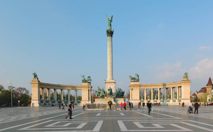 Унгарската влада реши да ги олабави мерките и во Будимпешта