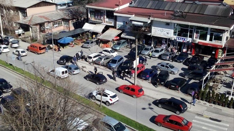 Состојбата со коронавирусот во Тетово алармантна,граѓаните бараат карантин, Теута Арифи е против