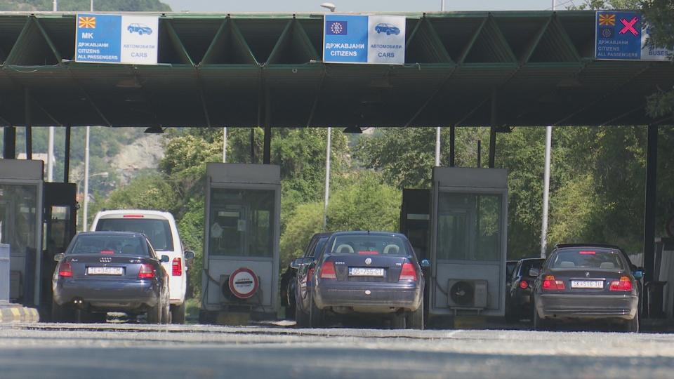 """Границите од денеска отворени без тест и карантин, """"Евзони"""" затворен за влез во Грција"""