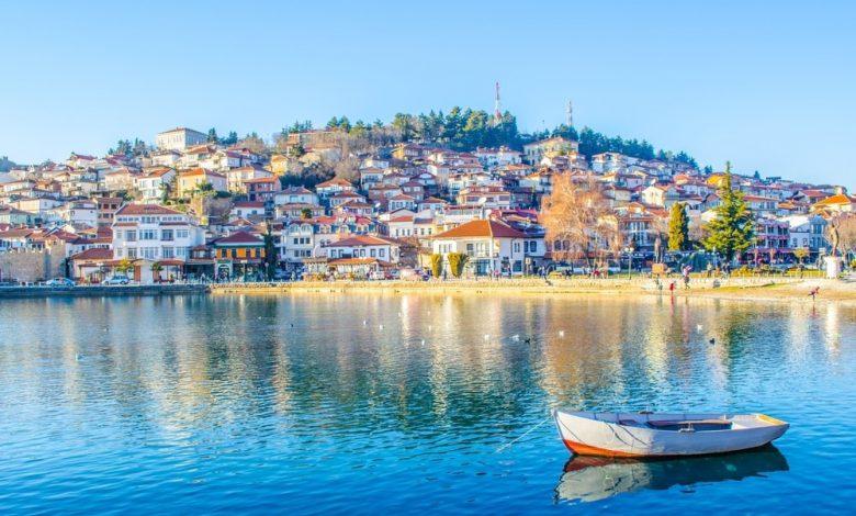 Пад на бројот на странски туристи за 99.7% во април