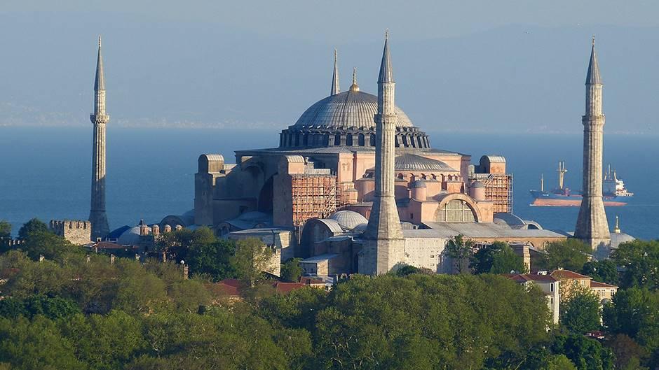 Денеска се очекува пресудата дали Аја Софија ќе стане џамија