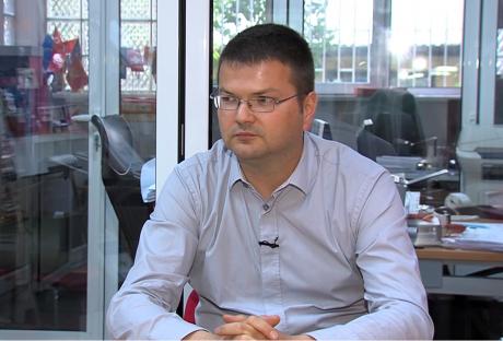 Даскаловски: Заев побара да се гласа доверба на Владата не затоа што е моќен, туку затоа што тоне