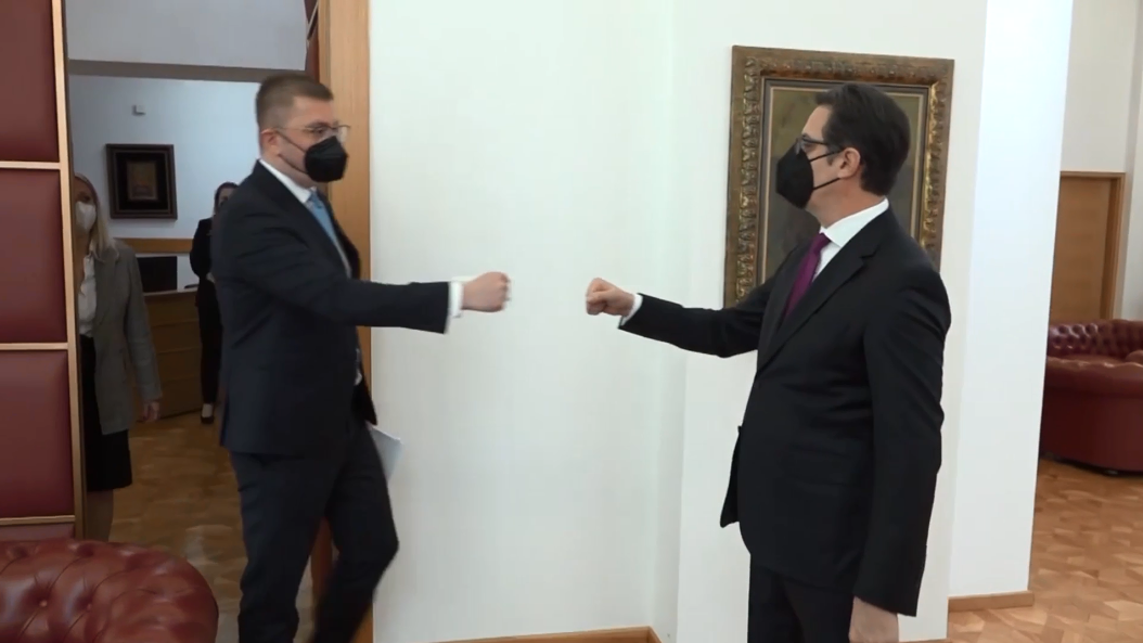 Мицкоски за изјавата на Пендаровски по средбата: Тоа е дволичност