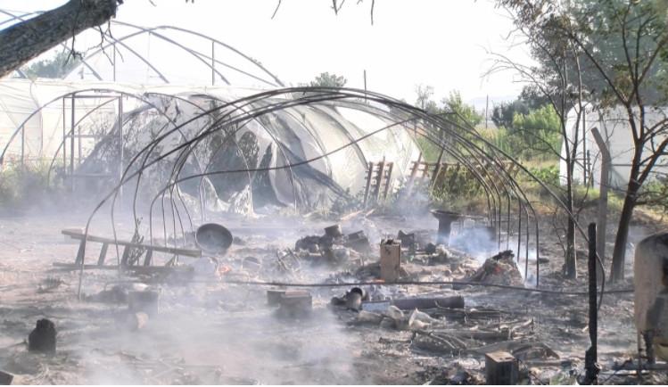 Полицијата се уште не ги знае причините за пожарите во Карбинци, жителите се сомневаат во струјата