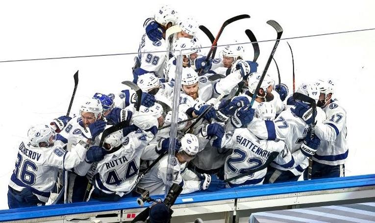 ТАМПА БЕЈ ГО СОВЛАДА ДАЛАС (4-2) И СТАНА ШАМПИОН НА НХЛ ЛИГАТА
