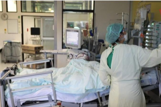 60-годишен пациент со корона вирус синоќа скокнал од прозорецот во Тирана, во Србија пикот на епидемијата оваа недела, Корона статистики во Европа и светот
